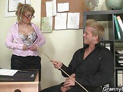 مارس الجنس عراقي فيلم سكس عراقي مع زوجته في المهبل بيده
